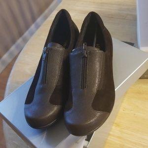 Vaneli sport brown shoes